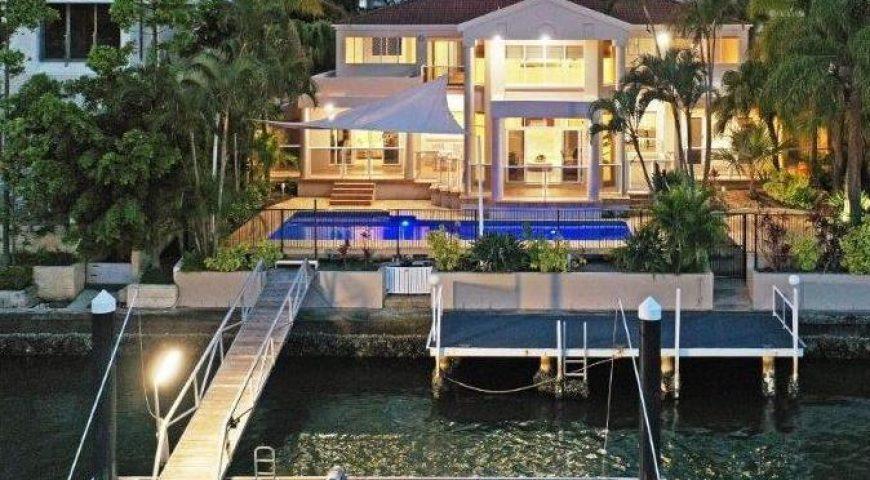 Paradise Waters: Khách sạn riêng của Gold Coast ở California
