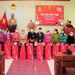 Hơn 1.200 phần quà Xuân yêu thương được Tập đoàn Hưng Thịnh trao tặng đến bà con tỉnh Bình Định và Khánh Hòa